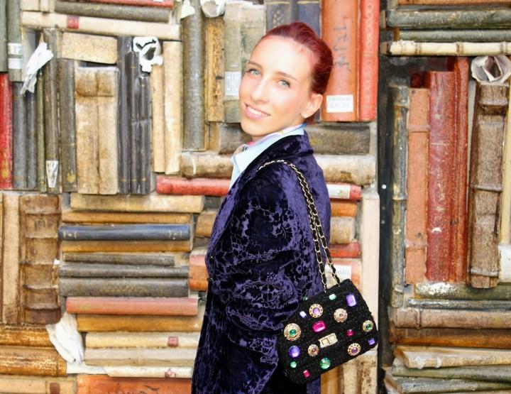 Un foulard e una borsa che possono creare un look classico ma allo stesso tempo particolare