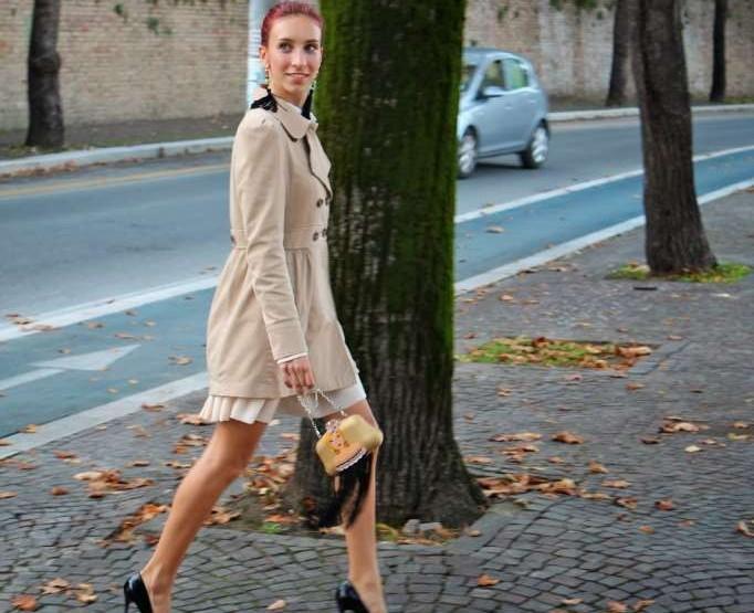 Un vestito dallo stile bon ton per creare un look elegante