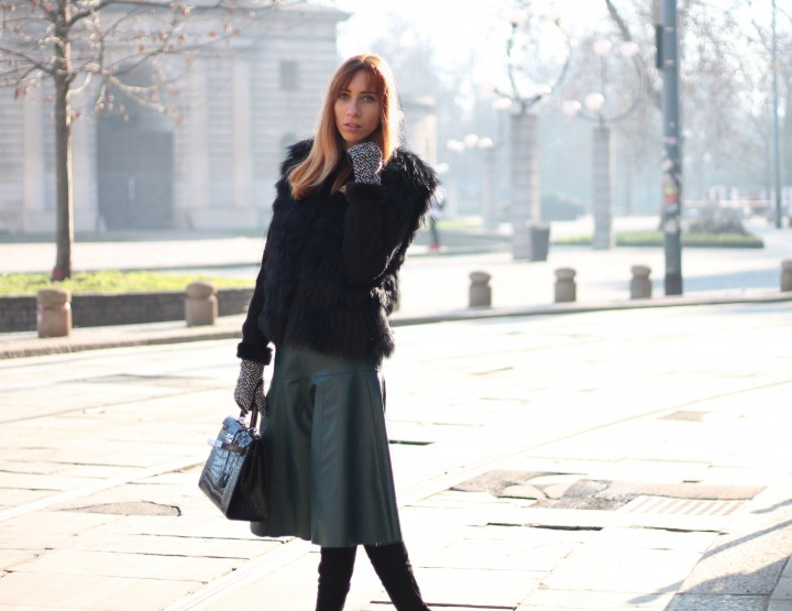 BOOTS AND FAUX LEATHER SKIRT