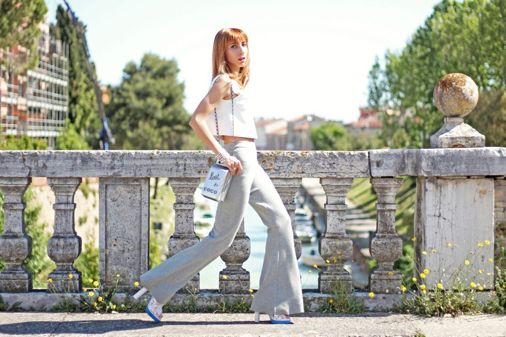 HOW TO WEAR FLARE TROUSERS