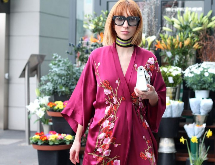 HOW TO WEAR KIMONO AND PLEATED SKIRT: TREND OF 2016